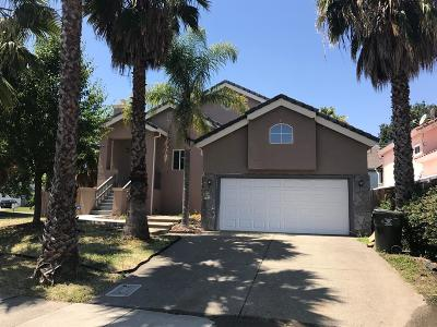 Sacramento CA Single Family Home For Sale: $408,000