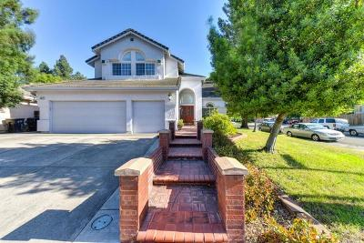 Sacramento CA Single Family Home For Sale: $449,000