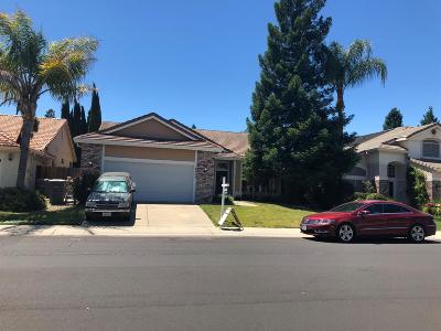 Elk Grove CA Single Family Home For Sale: $398,000