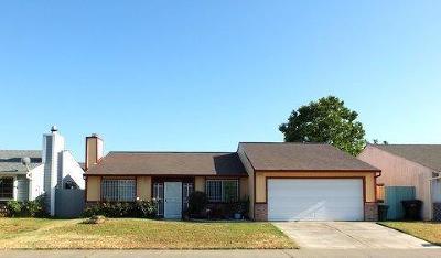 Sacramento Single Family Home For Sale: 8772 Tiogawoods Drive