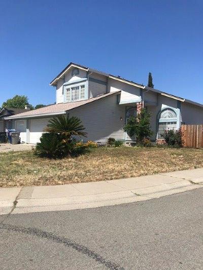 Sacramento CA Single Family Home For Sale: $365,000