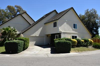 Elk Grove Single Family Home For Sale: 8812 Omar Court