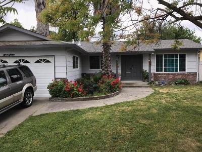 Single Family Home For Sale: 218 East Glencannon Street