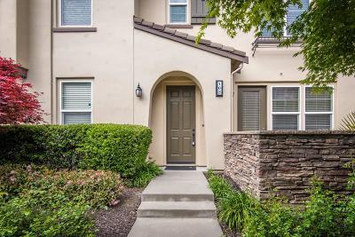 West Sacramento Condo For Sale: 390 Regatta Lane