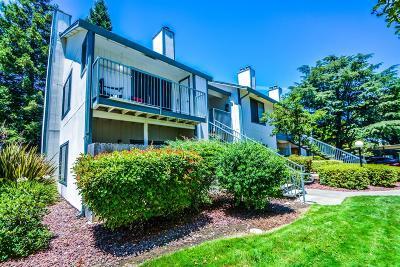 Sacramento Condo For Sale: 2356 Alta Garden Lane