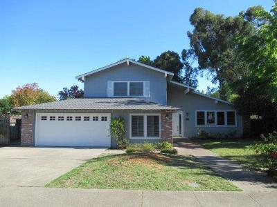 Carmichael Single Family Home For Sale: 6901 Los Olivos Way