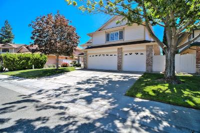 Elk Grove Single Family Home For Sale: 7556 Wynndel Way