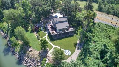 Sacramento Single Family Home For Sale: 7257 Garden Highway