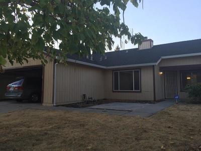 Sacramento County Single Family Home For Sale: 5909 Sawyer Circle