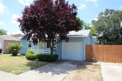 Sacramento Single Family Home For Sale: 5912 Vista Avenue