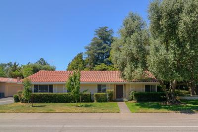 Sacramento Single Family Home For Sale: 8385 La Riviera Drive
