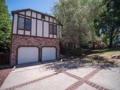 Fair Oaks Single Family Home For Sale: 9067 Winding Oak Drive