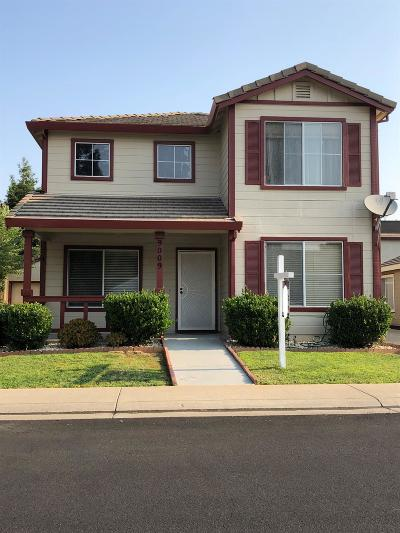 Elk Grove Single Family Home For Sale: 9009 Westpark Drive