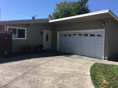 Sacramento Single Family Home For Sale: 7249 Tamoshanter Way