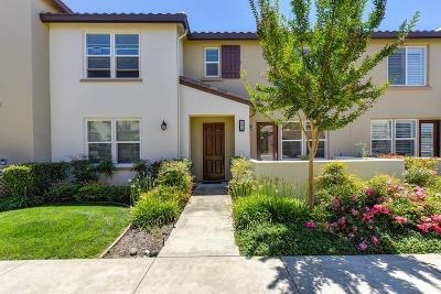 West Sacramento Condo For Sale: 433 Anchor Lane