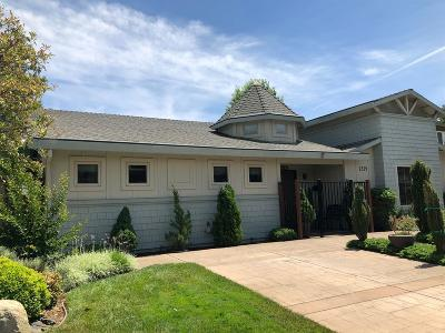 Sacramento Multi Family Home For Sale: 2529 Stansberry Way