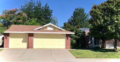 Elk Grove Single Family Home For Sale: 9467 Crowell Drive