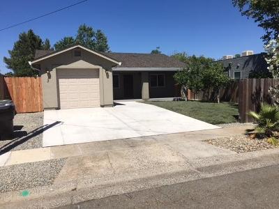 Roseville Single Family Home For Sale: 208 Fig Street