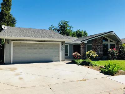 Merced Single Family Home For Sale: 885 La Jolla Way