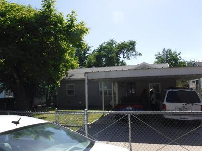 Sacramento Single Family Home For Sale: 3931 Lily Street