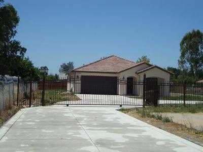 Sacramento Single Family Home For Sale: 5914 Wilkinson Street