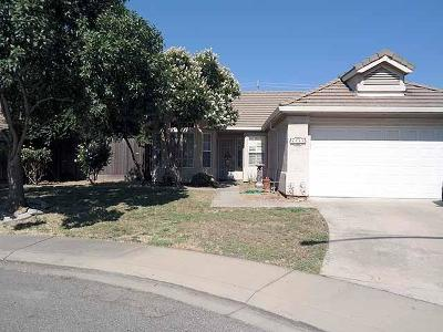 Modesto CA Single Family Home For Sale: $270,000