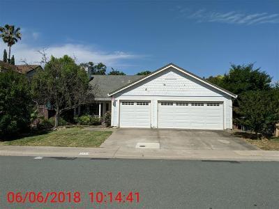 Elk Grove Single Family Home For Sale: 9284 Gem Crest Way