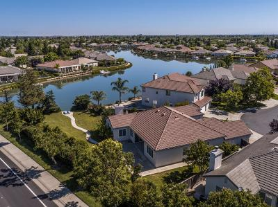 Single Family Home For Sale: 2533 Marina Point Lane