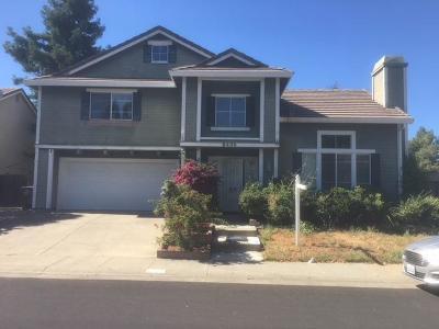 Sacramento County Single Family Home For Sale: 8405 Swift