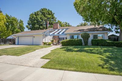 Dixon Single Family Home For Sale: 1310 Parkgreen