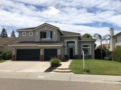 Elk Grove Single Family Home For Sale: 9494 Berkley Glen Way