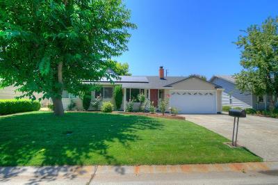Carmichael Single Family Home For Sale: 3809 Holloway Lane