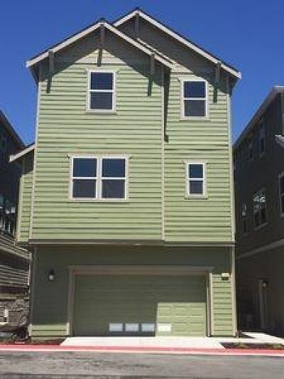 Sacramento County Single Family Home For Sale: 709 Joseph Place