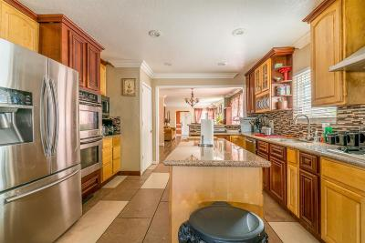 San Leandro Single Family Home For Sale: 525 Lafayette Ave