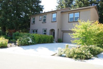 Sacramento Single Family Home For Sale: 7972 Collins Isle Lane