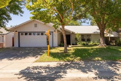 Citrus Heights Single Family Home For Sale: 8433 Weddell Court