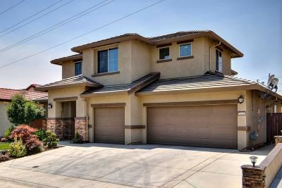 Sacramento Single Family Home For Sale: 7420 Hanfield Drive