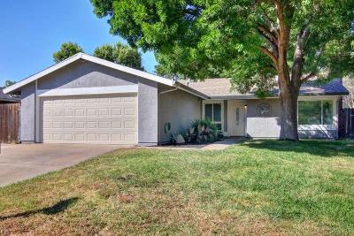 Citrus Heights Single Family Home For Sale: 7116 Dawn View Court