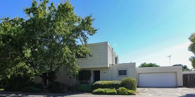 Sacramento Multi Family Home For Sale: 7424 Alma Vista Way