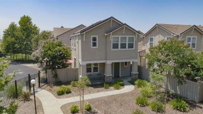 Sacramento Single Family Home For Sale: 3480 Tice Creek Way