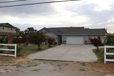 Manteca Single Family Home For Sale: 20649 Oleander Avenue