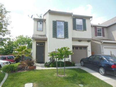 West Sacramento Single Family Home For Sale: 2462 Huckleberry Circle