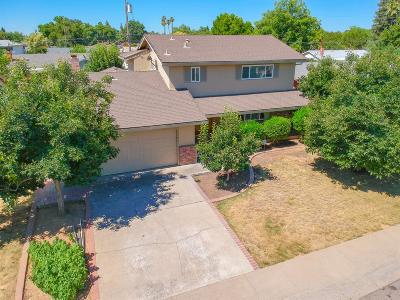 Rancho Cordova Single Family Home For Sale: 2500 Queenwood Drive