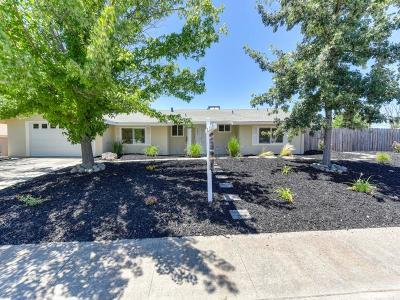 Orangevale Single Family Home For Sale: 9557 Lake Natoma Drive