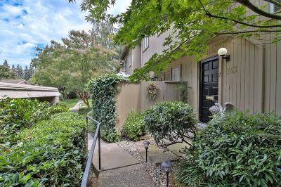 Sacramento Single Family Home For Sale: 743 Commons Drive