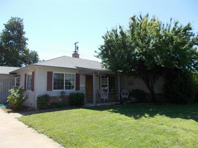 Elk Grove Single Family Home For Sale: 9533 Sara St