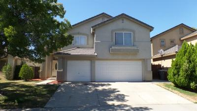 Elk Grove Single Family Home For Sale: 7917 Red Elk Drive