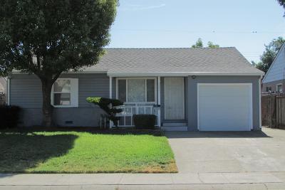 Single Family Home For Sale: 5655 El Arado Way