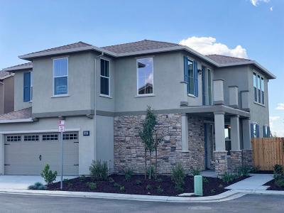 Hughson Single Family Home For Sale: 2261 Province Place