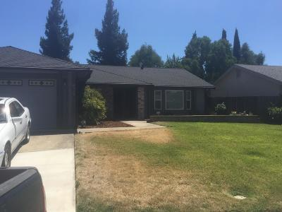 Elk Grove Single Family Home For Sale: 6916 Autumn Grove Way